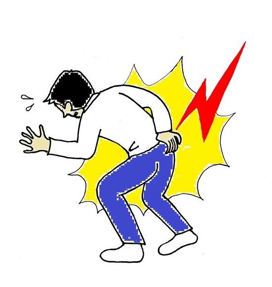 立ちあがる際の腰の痛みの原因とは?